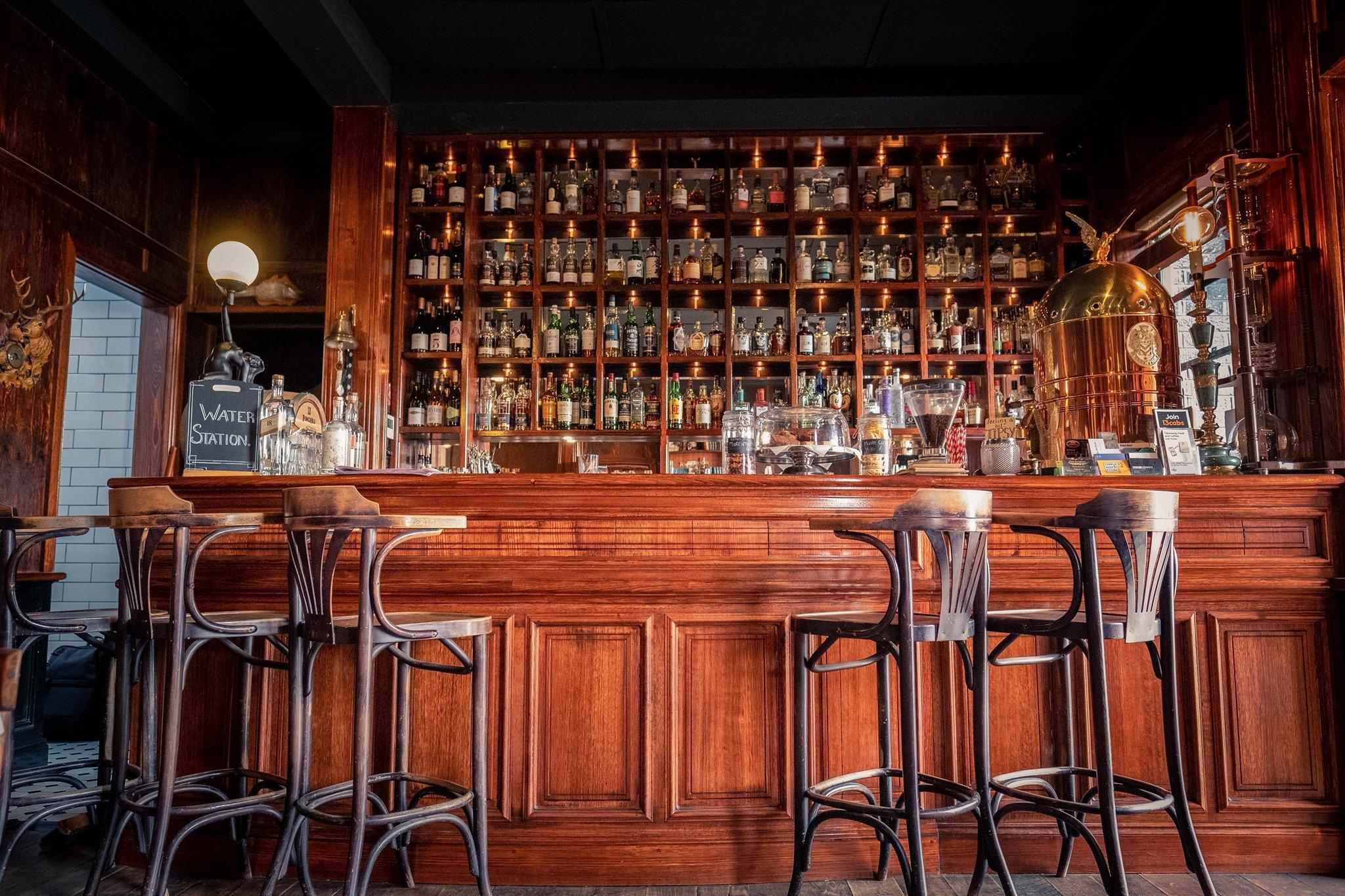 Two Fingers Gentlemen's Bar